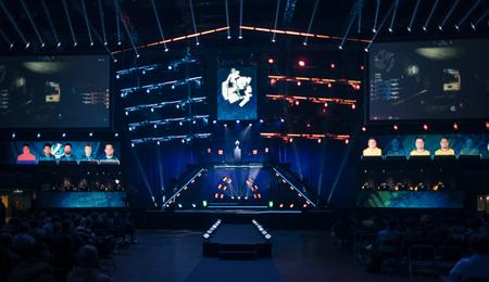 Elektronische Spiele Turnier sucht seine Gewinner Standard-Bild - 50826304