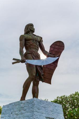 Statue of Lapu Lapu National Hero who killed Ferdinand Magellan at the Battle of Mactan Island Philippines Sajtókép