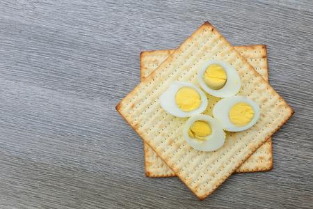 pesaj: Pesach matzo passover with and matzoh jewish passover bread