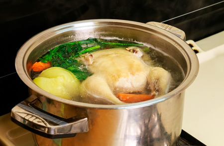I make chicken broth in a pot chicken broth