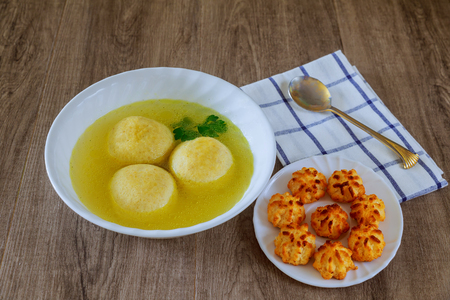 kneidl: Delicious Matzoh ball soup homemade healthy israelil