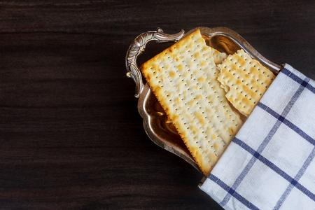 matzoh jewish passover bread Passover matzo Passover wine Banco de Imagens