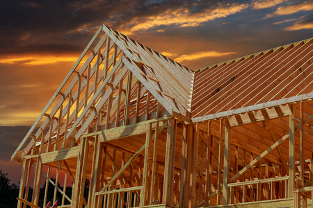 wooden roof construction, symbolic photo for home, house building, and house financing Stockfoto