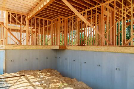 Maison en construction Close Up avec Blue Sky Nouvelle construction maison encadrement Banque d'images - 91275103