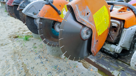 Profile on the blade of an asphalt or concrete cutter and Profile on Asphalt Cutter
