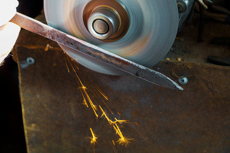 Worker fabrication knife a circular saw blade sharpening Circular Saw,