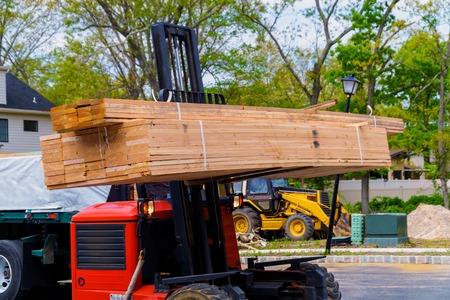 Forklift on construction preparing to construction building material parts Banque d'images
