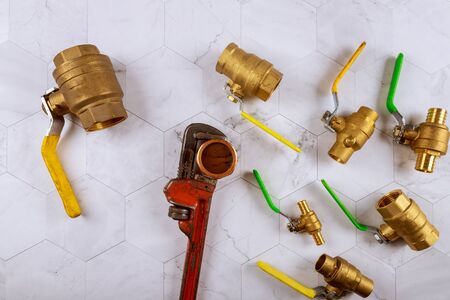 Installation plumbing parts monkey wrench construction brass plumbing fittings gate valve on fitting tap