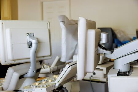 The device tools ultrasound equipment machine in warehouse being prepared to be sold