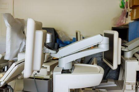 Ultrasound device equipment machine in warehouse being prepared to be sold Standard-Bild
