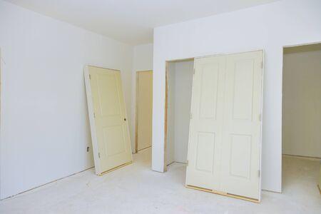 Waiting preparation interior doors for room remodeling installing material new home Standard-Bild