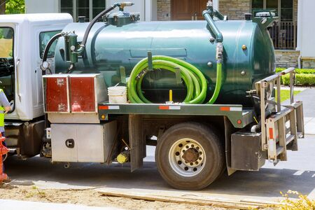 Portable restroom cleaning septic truck sewer of powerful professional pumping machine