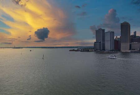 Whitehall Ferry Terminal Docks on New York City Manhattan skyline panorama the way from Staten Island NY NJ USA Zdjęcie Seryjne