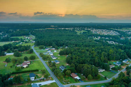 Aerial view on the residential streets landscape Boiling Springs town of a small town a height in SC US 免版税图像