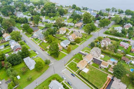 Panorama view residential neighborhood district in American town, in Woodbridge NJ US 免版税图像