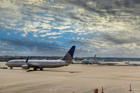 20 SEPTEMBER 2021 Houston, TX USA: Passenger aircraft at the In Busch International Airport in Houston TX on United Airline 新闻类图片