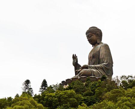 cabeza de buda: Buda gigante. en la isla de Lantau, Hong Kong Foto de archivo