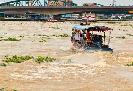 longtail: Long-tail river boat on the Chao Praya river in Bangkok, Thailand,