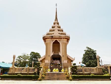 revere: Cremation crematory at Thai Temple