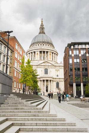 saint paul: Saint Paul Cathedral in London UK