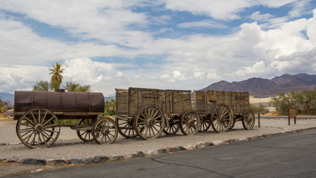 mule train: Old historic wagons in Death Valley National Park USA Stock Photo