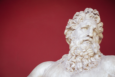 VATICAN - FEBRUARY 23, 2015: Ancient bust of Zeus in the Vatican Museum in Rome 新聞圖片