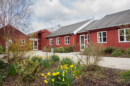 Klassieke rode houten gebouw in Jutland Denemarken