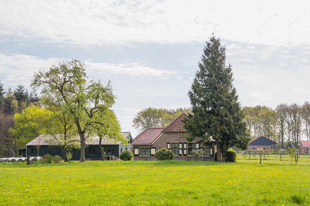 Dutch farmhouse near Dalfsen in the Netherlands Banco de Imagens