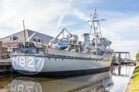 deck cannon: Dutch Navy mine hunter Editorial