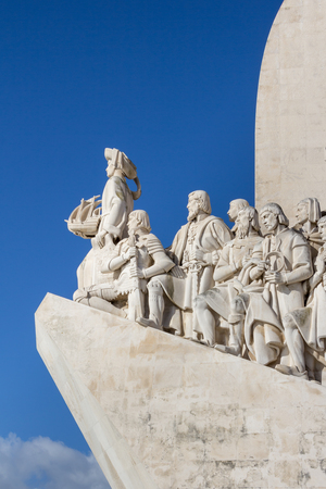 descubridor: Monument of the Discoveries, Lisbon, Portugal. Monument built for the portuguese world exhibition of 1940, as a memory to the discoveries made by Portugal and Vasco da Gama