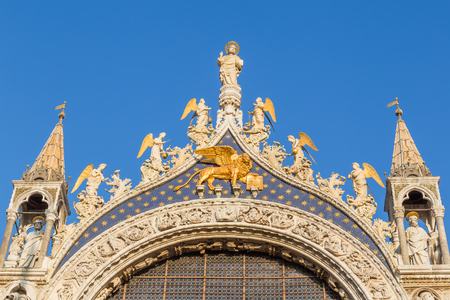 Statues on the roof of the Cathedral of San Marco, Venice, Italy Stock Photo