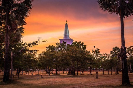 Anuradhapura, Mahatupa 또는 Ruwanweliseya 일몰, 유네스코, 스리랑카, 아시아 큰 Dagoba 스톡 콘텐츠
