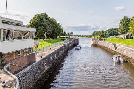 Sluice Engelen in het Dieze kanaal in Engelen in Nederland