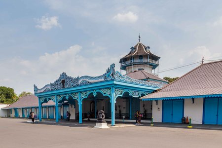 Colorfull blue Palace of the sultan in Surakarta, Java, Indoensia 新聞圖片