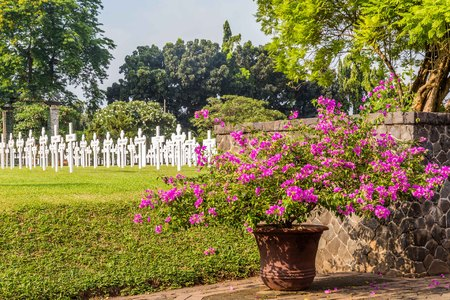 Dutch field of honor Menteng Pulo in  Jakarta, Java Island, Indo Banque d'images