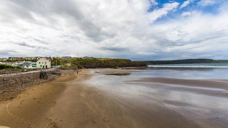 View on Little Haven on he coast of Pembrokeshire, in Wales, UK Banque d'images