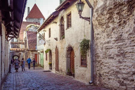 Tallinn, Estonia - September 29, 2018: The St Catherines Passage is historical cobbled street in the old town of Tallinn, Estonia Redactioneel