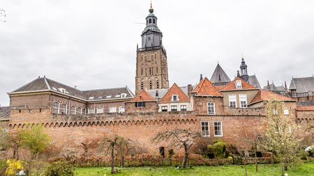 Cityscape of Zutphen with Saint Walburgis church, a medieval city along the river IJssel in Gelderland in the Netherlands Stockfoto