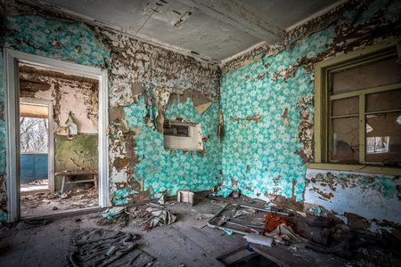 Interior of  an abandoned little house in Belarus Chernobyl exclusion zone, recently opened for the public from april 2019. Stockfoto