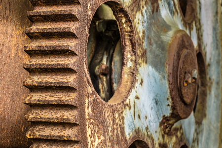Two large rusted gear wheels in an abandoned factory Stockfoto