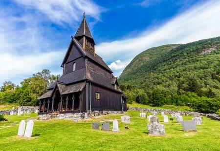 Urnes Stave Church in Ornes along Lustrafjorden in Sogn og Fjordane county in Norway. Banque d'images