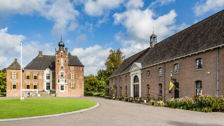 Medieval castle Cannenburch in Vaassen, Gelderland in the Netherlands 免版税图像