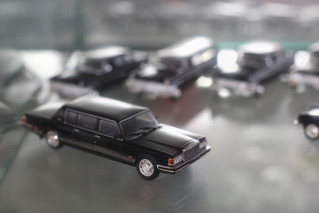 garage: 1:43 Scale model Soviet Government car garage