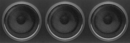 Musique et son - Vue de face un coffret de haut-parleurs à matrice de subwoofers à trois basses