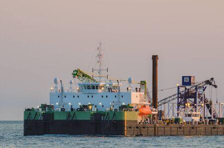 SELF - PROPELLED SHIP WORK Stock Photo