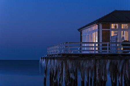 gloaming: WINTER EVENING BY THE SEA
