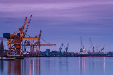 lading: PORT AT DAWN - Seaport on Swinoujscie