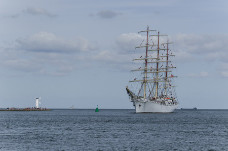 SAILING VESSEL - Frigate in the roadstead of the port of Swinoujscie Foto de archivo