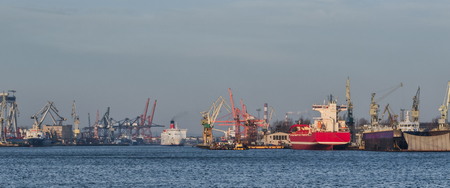 SEAPORT - Cargo ships and Passenger Ferry in Gdynia Stockfoto