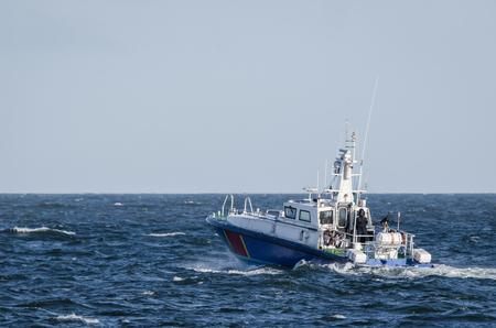SNELLE MOTORBOOT - Grenswachtbootpatrouille